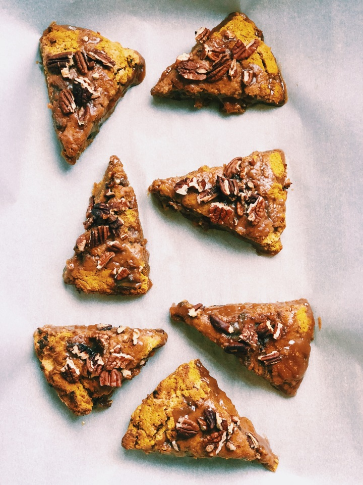 Pumpkin Pecan Oat Scones with Maple-Almond Butter Glaze (gf, df, v)